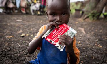 Alimento terapéutico para tratar la desnutrición infantil